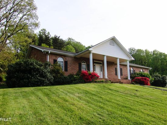 18106 Stewartsville Rd, Vinton, VA 24179