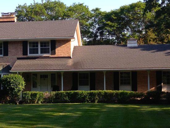 13335 Oakhurst Dr, Elm Grove, WI 53122