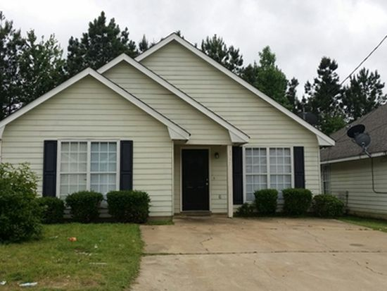 1519 Summerplace Dr, Phenix City, AL 36867
