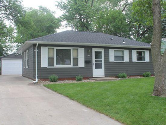 1103 16th St SW, Cedar Rapids, IA 52404
