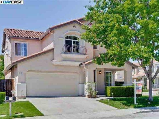 105 Pear Ln, Union City, CA 94587