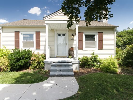 116 2nd St, Haw River, NC 27258