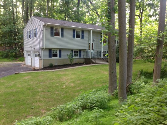 46 Valleyview Rd, Warren, NJ 07059