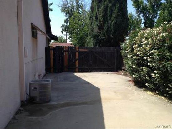 1427 Elmwood St, Upland, CA 91786