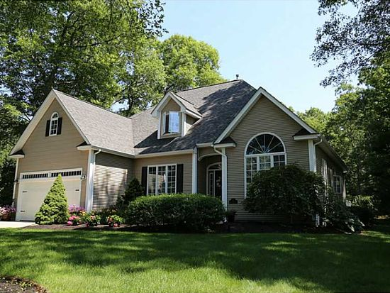 126 Olde Mill Ln, North Kingstown, RI 02852