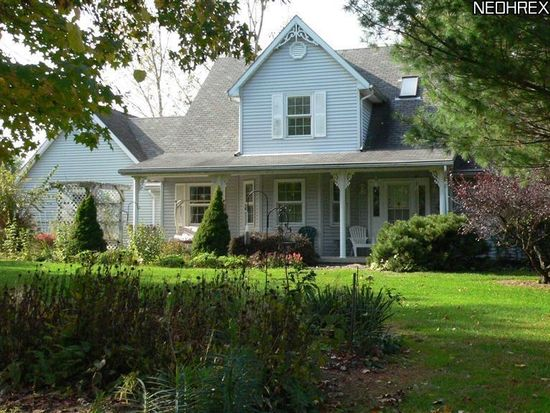 4301 Caddy Rd SW, Bowerston, OH 44695