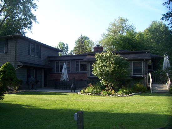 395 Muegel Rd, East Amherst, NY 14051
