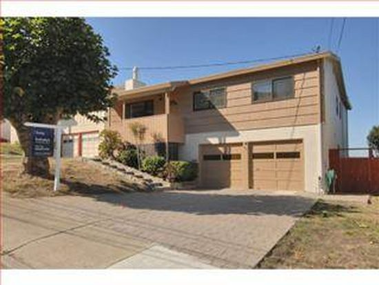828 Burns Ct, Pacifica, CA 94044