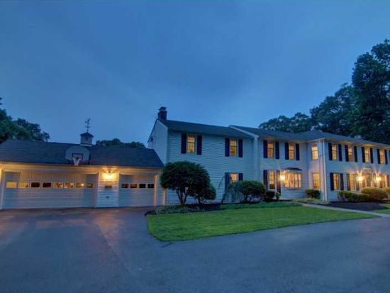 96 Governors Dr, East Greenwich, RI 02818
