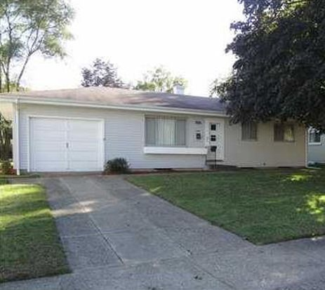 5104 Bloomfield Pl, South Bend, IN 46619