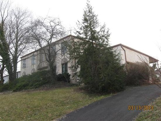 270 Betsy Rd, Huntingdon Valley, PA 19006