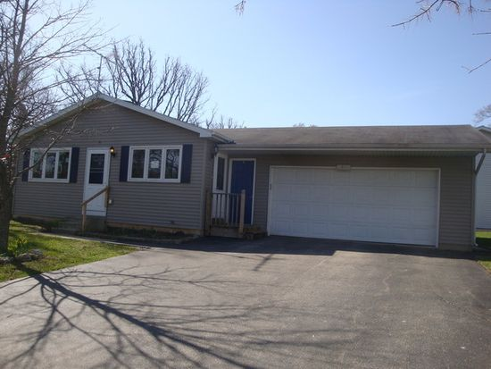 2914 Michael St, Wonder Lake, IL 60097