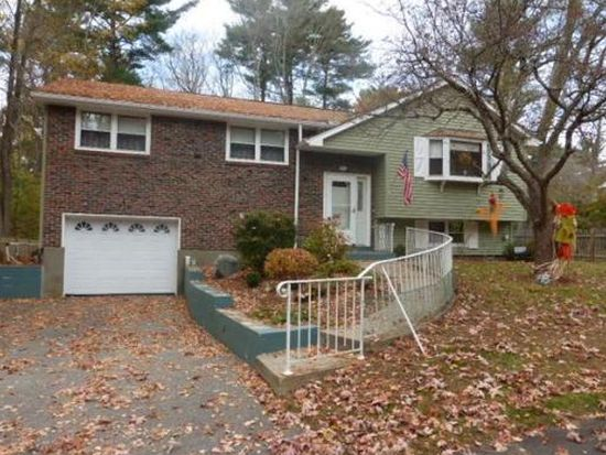 42 Crystal Cir, Burlington, MA 01803