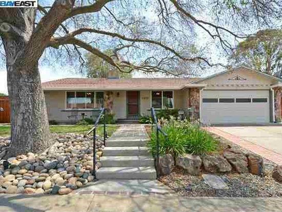1235 Lomitas Ave, Livermore, CA 94550
