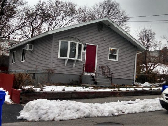 21 Boutwell St, Manchester, NH 03102