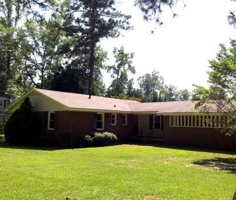126 Valley Rd, Greenwood, SC 29646