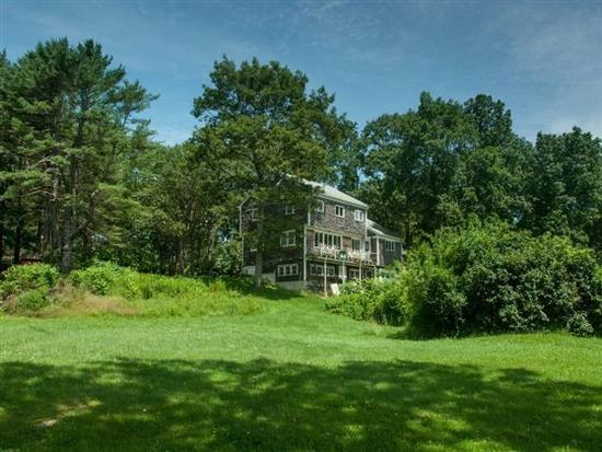 20 Seapoint Rd, Kittery Point, ME 03905