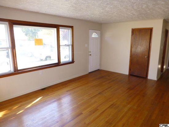 412 N Duke St, Hummelstown, PA 17036