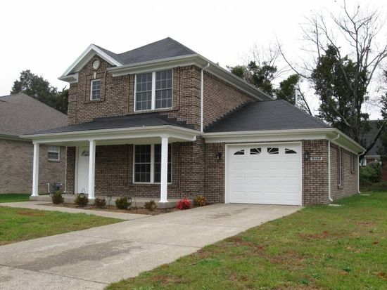 9102 Fox Chase Rd, Louisville, KY 40228