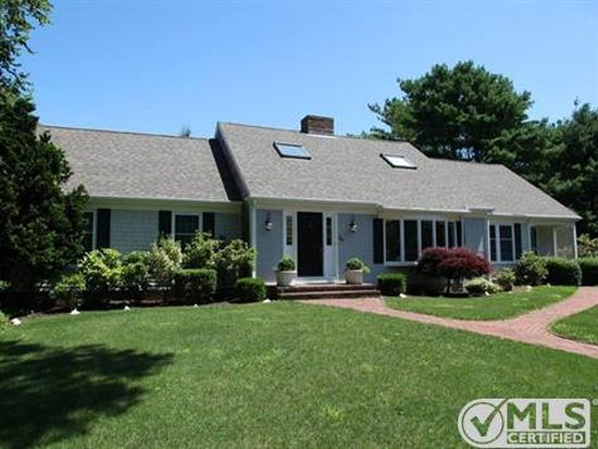 38 York Ter, Osterville, MA 02655