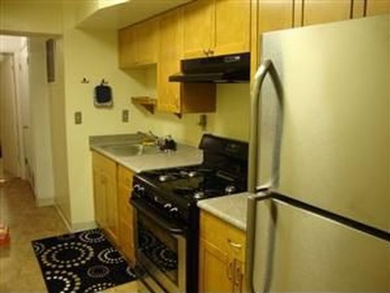 121 Galveston Pl SW APT 2, Washington, DC 20032