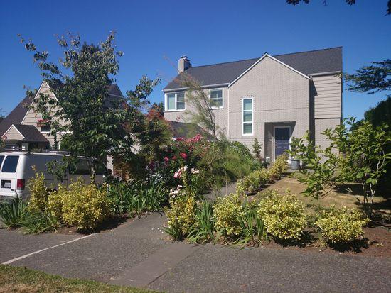 2569 W Viewmont Way W, Seattle, WA 98199