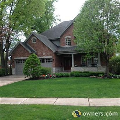 66 Waverly Ave, Clarendon Hills, IL 60514