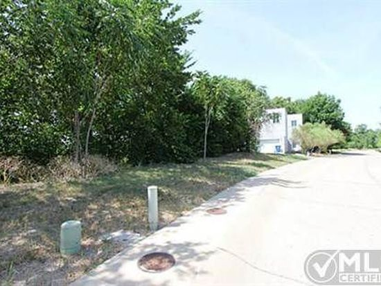 15 Vanguard Way, Dallas, TX 75243