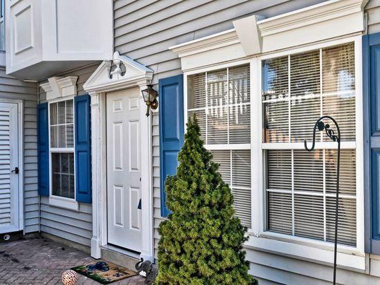 908 Magnolia Ln, Branchburg, NJ 08876