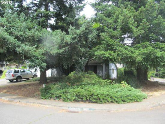 17990 Monticello Dr, Gladstone, OR 97027