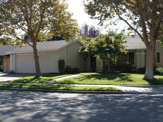 5938 Hansen Dr, Pleasanton, CA 94566