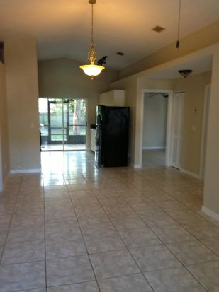 1303 E Giddens Ave, Tampa, FL 33603
