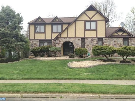 1871 August Dr, Huntingdon Valley, PA 19006