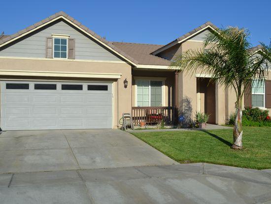 681 Groveside Dr, San Jacinto, CA 92582