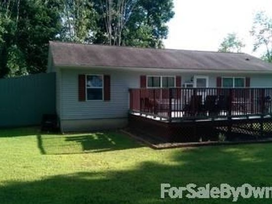 3 Seneca Trl, West Middlesex, PA 16159