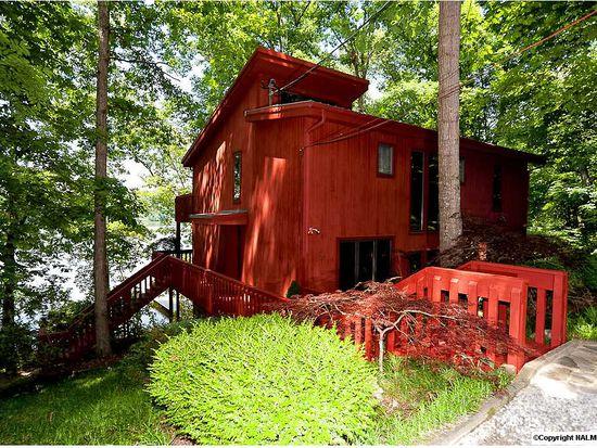 17584 Red Oak Way, Athens, AL 35611