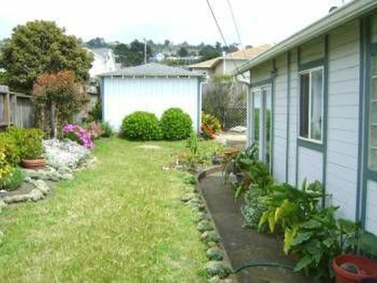 211 Manor Dr, Pacifica, CA 94044