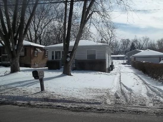 2714 Springfield Lake Dr, Akron, OH 44312