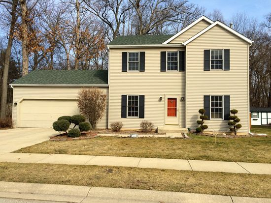 4368 Foxfire Dr, South Bend, IN 46628