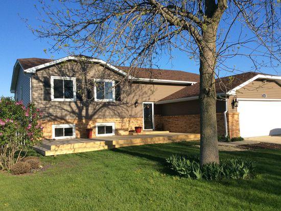 2360 Chestnut Ln, Morris, IL 60450