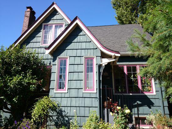 1925 31ST Ave S, Seattle, WA 98144