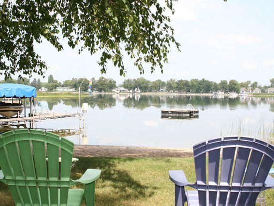 425 S Shore Dr, Detroit Lakes, MN 56501