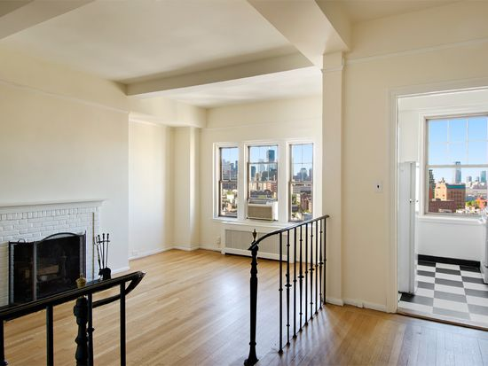 302 W 12th St APT 17F, New York, NY 10014