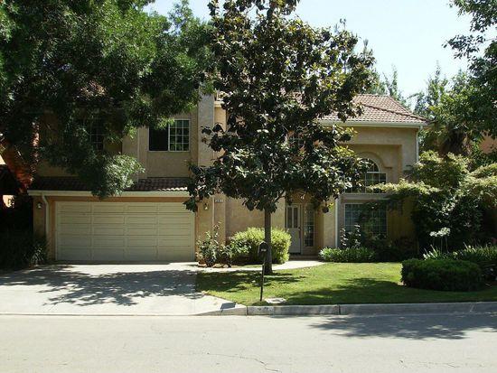 387 E Braddock Dr, Fresno, CA 93720