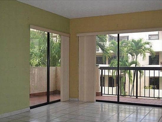 995 SW 84th Ave APT 311, Miami, FL 33144