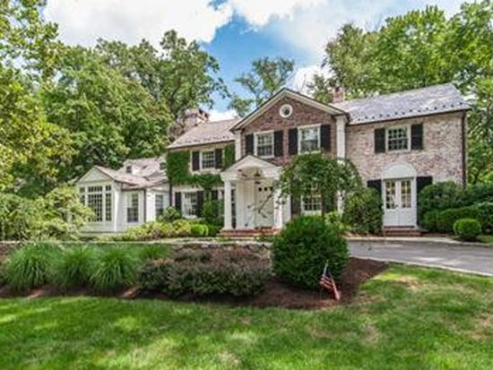 32 Lakeview Ave, Short Hills, NJ 07078