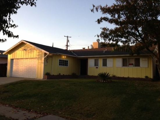 1947 E Acacia Ave, Fresno, CA 93726