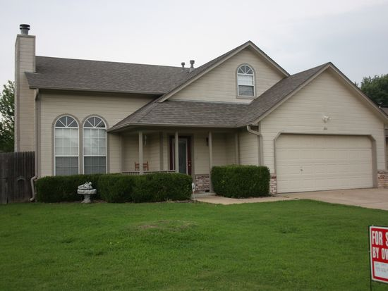 204 N Valley Dr, Catoosa, OK 74015