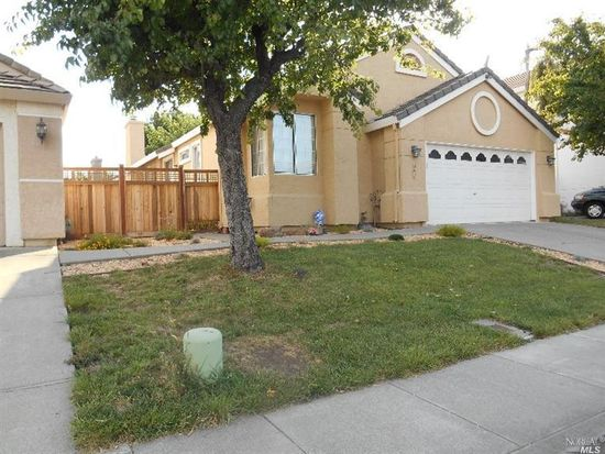 867 Tipperary Dr, Vacaville, CA 95688