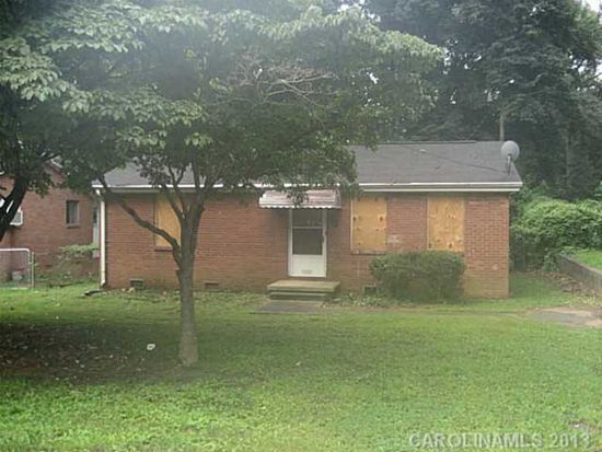 1820 Finchley Dr, Charlotte, NC 28215